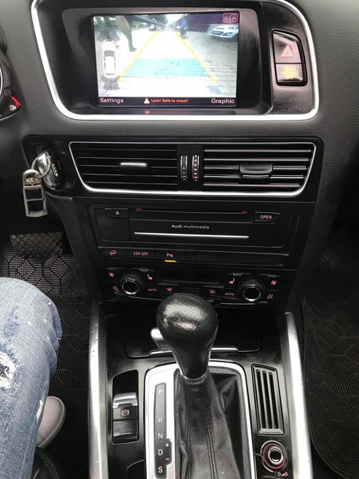 Audi Q5 nhập khẩu nguyên chiếc đẹp long lanh giá sốc