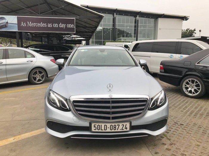 Tập đoàn Mercedes - Benz Miền Nam bán xe Mercedes E200 2017 siêu lướt.