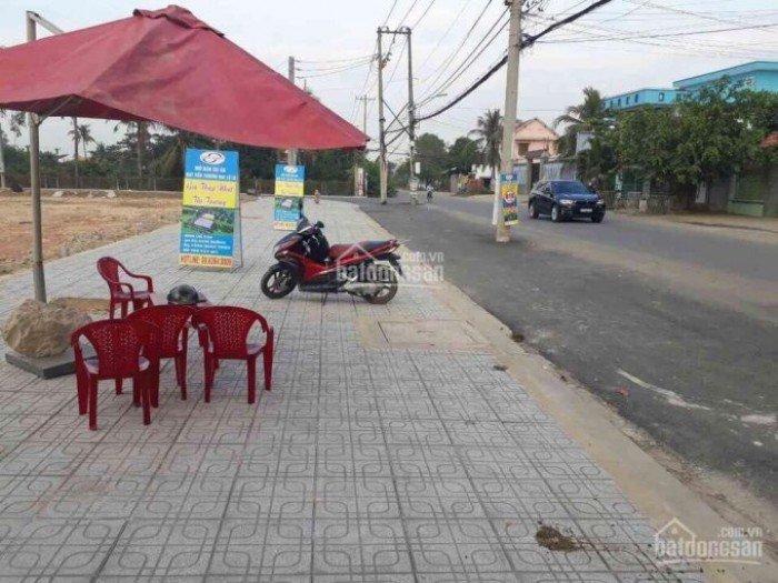 Kẹt tiền cần bán lổ 300 trđ lô đất mặt tiền thương mại đường Lò Lu, P. Trường Thạnh, Quận 9