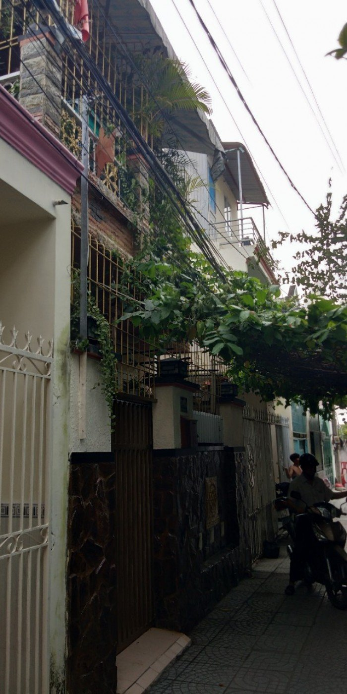 Bán nhà lầu đường 339 phường phước long B,  Q9 giá 2,45 tỷ.