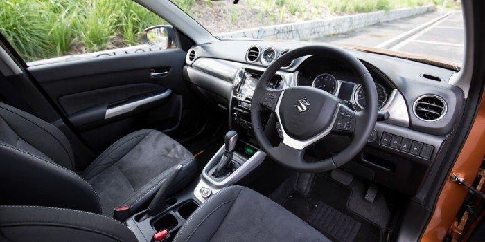 Suzuki Vitara có sẵn giao ngay