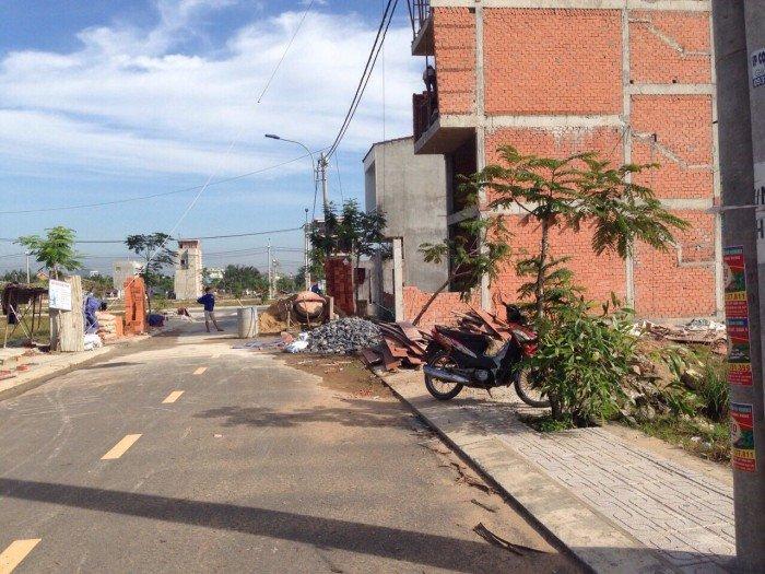 cần tiền bán gấp lô đất đườngGò Cát Phú Hữu Quận 9