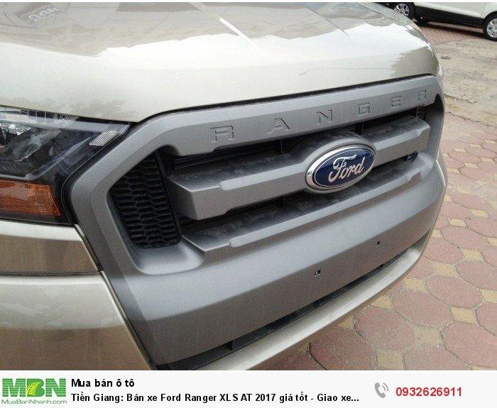Tiền Giang: Bán xe Ford Ranger XLS AT 2017 giá tốt - Giao xe trong tuần