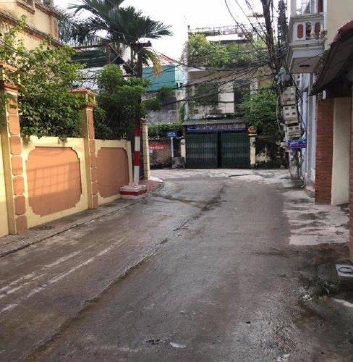 Cần bán gấp nhà cực đẹp, 5 tầng tại phố Tôn Đức Thắng