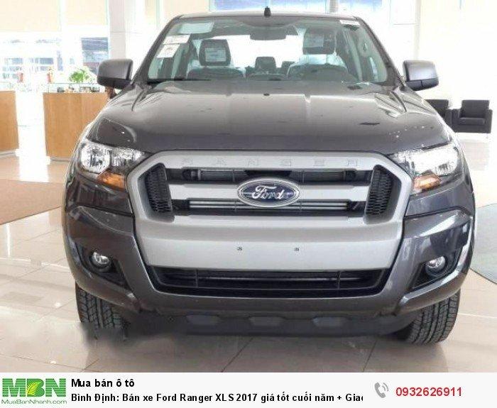 Bình Định: Bán xe Ford Ranger XLS 2017 giá tốt cuối năm + Giao xe trong tuần 0