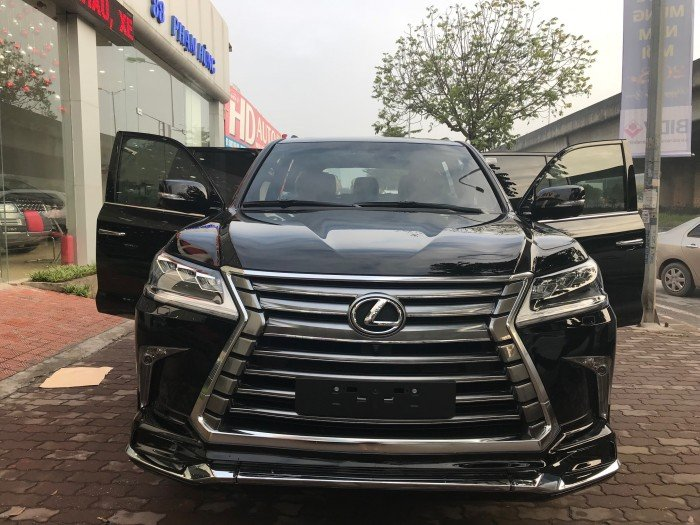 Lexus LX570 nhập khẩu model 2018 đen da bò giao ngay