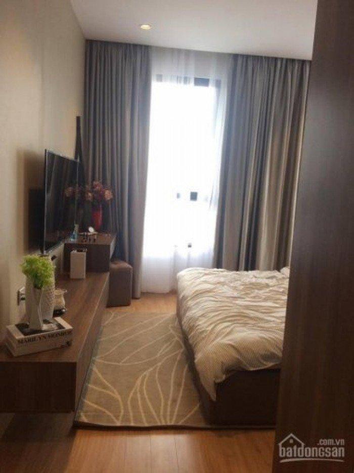 Siêu dự án độc nhất Quận 7 và khu Nam Sài Gòn. Era Premium với 3 mặt tòa nhà giáp sông, 80% căn hộ có view sông, bàn giao nội thất cao cấp, thiết kế hiện đại.