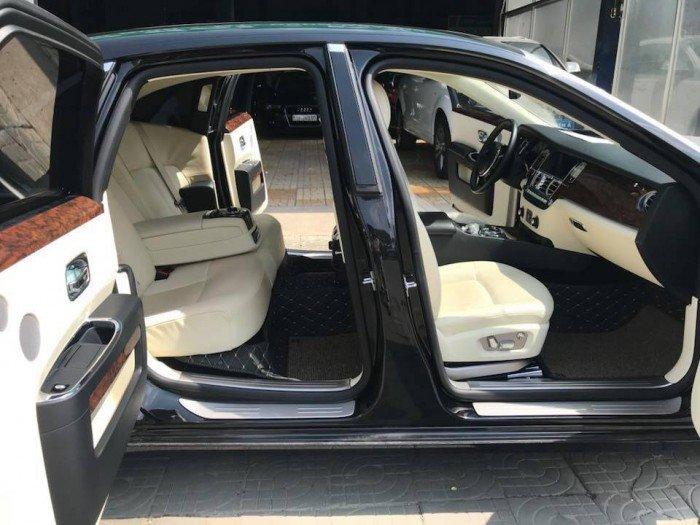 Cần bán xe Rolls-Royce Ghost 2010 màu đen vip động cơ V12 6.6l twin turbo 3