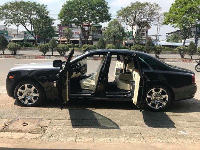 Cần bán xe Rolls-Royce Ghost 2010 màu đen vip động cơ V12 6.6l twin turbo 0