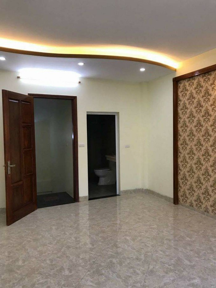 Bán nhà lô góc phố Cát Linh, Đống Đa, 40m2, 4 tầng, MT 14m.
