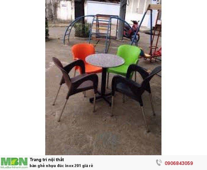 bàn ghế nhựa đúc inox 201 giá rẻ1