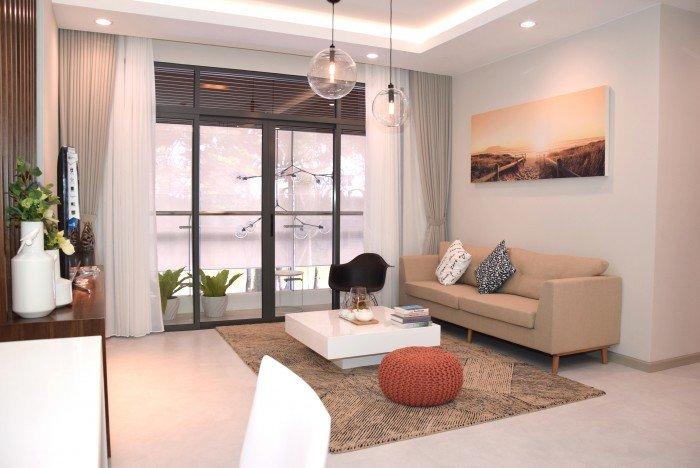 Chuyển nhà nên bán gấp căn 2PN ở liền The Goldview view sông tầng cao giá rẻ