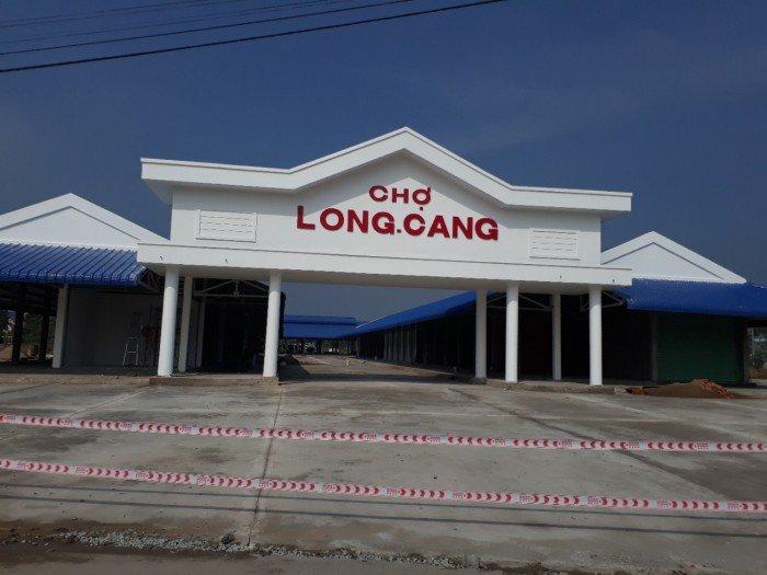 Bán gấp lô đất mặt tiền Nguyễn Trung Trực đối diện chợ Long Cang giá 425tr/nền