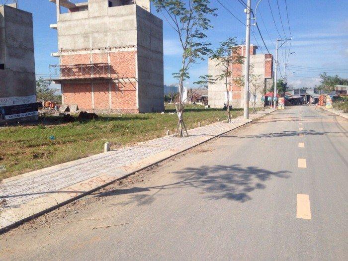 Cần bán gấp lô đất mặt tiền đường Gò Cát, P.Phú Hữu, Quận 9, sổ riêng, xây dựng tự do