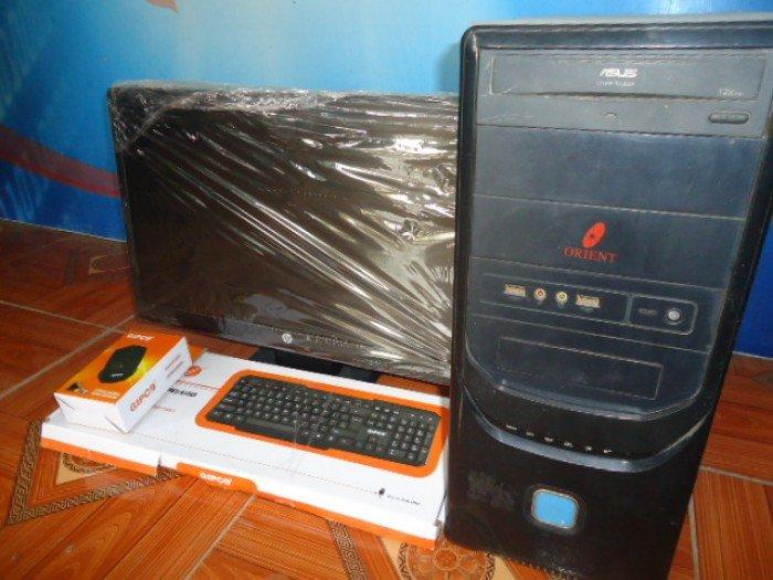 Bộ máy tính bàn chuyên game ( khuyến mại bộ phím chuột và bộ chuông báo động mới cứng )0