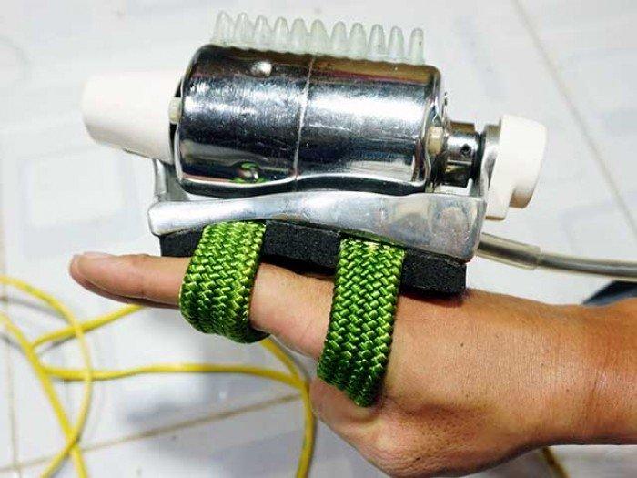 dây đeo ôm sát bàn tay