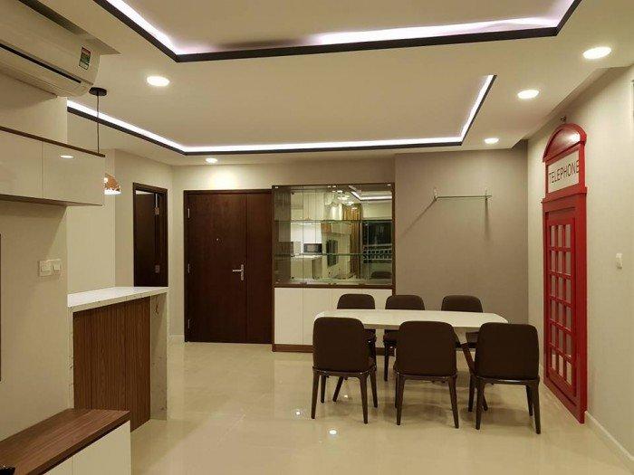 Cần bán gấp chung cư Giai Việt, DT: 82m2, 2PN, Quận 8.