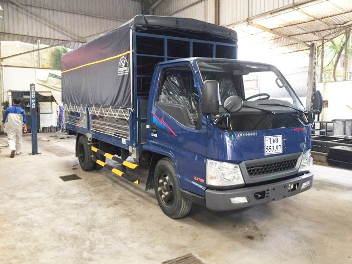 Xe tải Hyundai IZ49 tải 2.4 tấn - 03 người theo công nghệ Nhật - Hàn