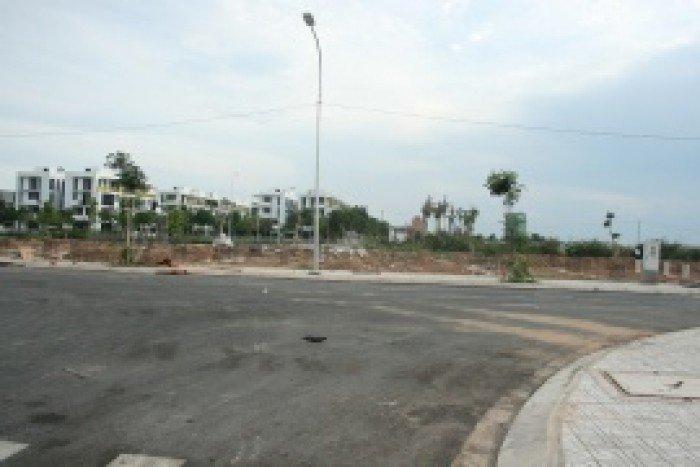 Ngân hàng thanh lý gấp 10 lô đất mặt tiền đường Nguyễn Duy Trinh, quận 2 giá 920tr/nền