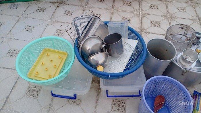 Dụng cụ nấu bếp quán ăn .