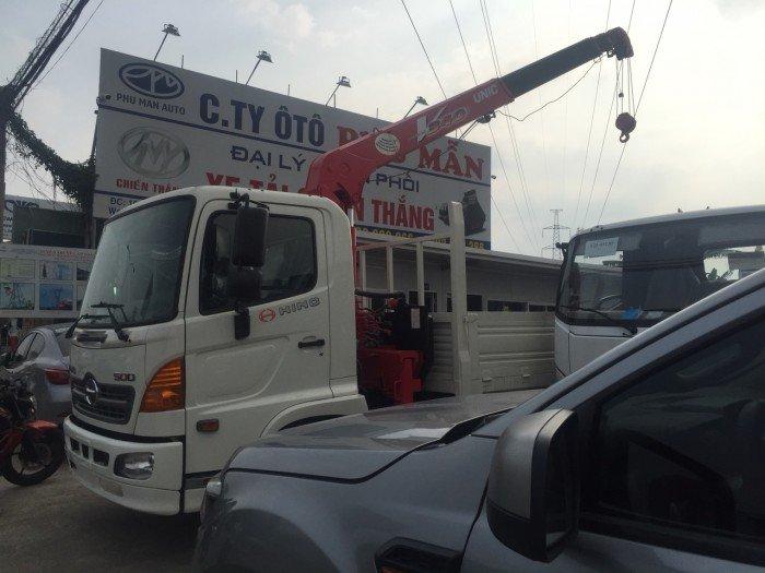 Xe tải Hino 6 tấn lắp cẩu unic 3 tấn thùng 6 mét , hồ sơ sẵn giao xe ngay