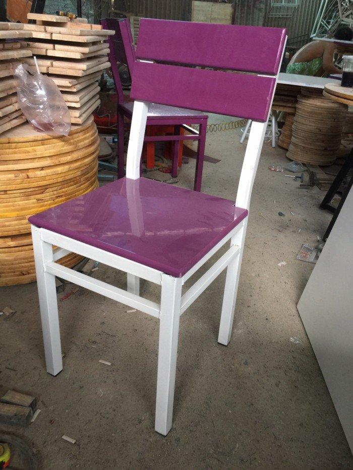 Ghế gỗ tựa lưng, màu tím, thiết kế đa dạng1