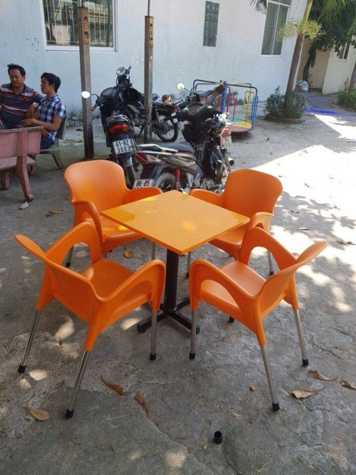Bộ bàn ghế nhựa kinh doanh quán nước, màu cam. Liên hệ: 0906843059 Lê Hoàng0