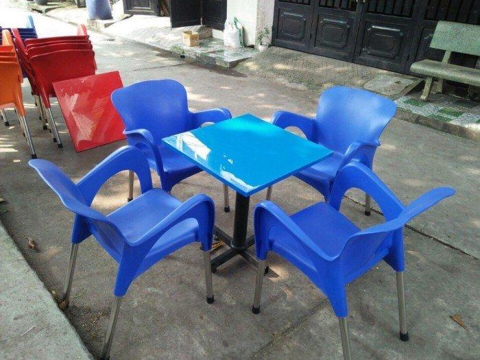 Thanh lý lô bàn ghế nhựa nữ hoàng cho các quán cafe, mẫu màu xanh1