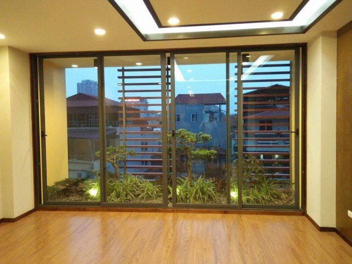 Chính chủ bán gấp nhà mặt phố Phan Kế Bính, dt 90m2, 8 tầng
