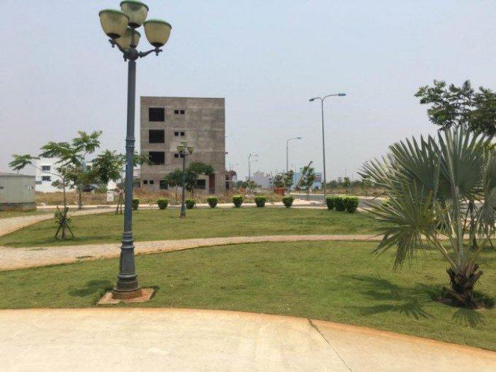 Đất thị trấn Cần Đước_đối diện UBND_CAND_SHR_100m2_XDTD.