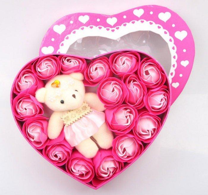 Quà tặng sinh nhật độc đáo - Hoa Hồng Sáp Trái Tim Kèm Gấu
