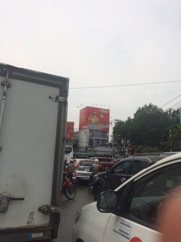 Bán gấp nhà mặt tiền Nguyễn Trãi, Q5, 2,8x14m