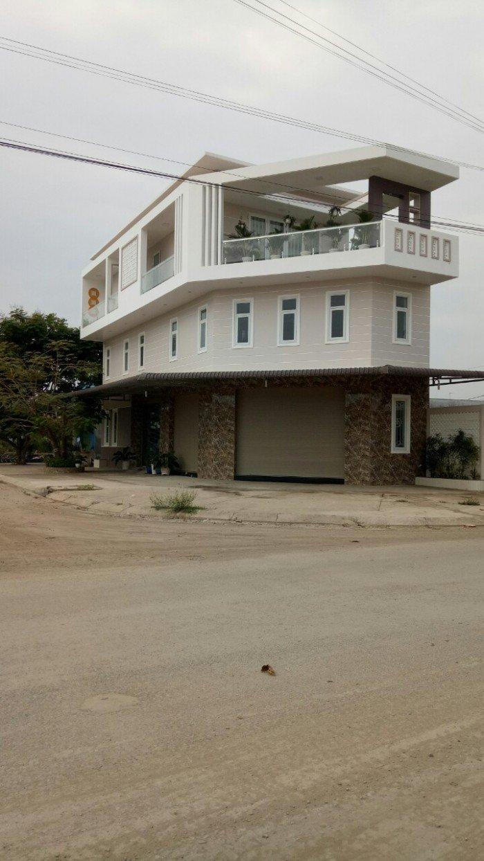 Bán nhà mặt tiền đường Ngay Chợ kế bênh công viên, nhà mới 100%, Thuận kinh danh buôn bán