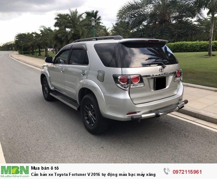 Cần bán xe Toyota Fortuner V 2016 tự động màu bạc máy xăng 9