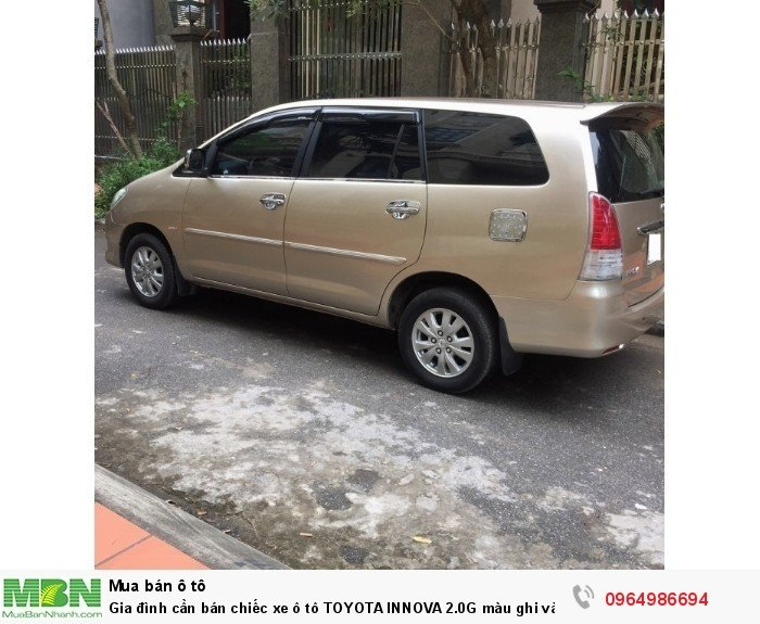 Gia đình cần bán chiếc xe ô tô TOYOTA INNOVA 2.0G màu ghi vàng SX 2011 1