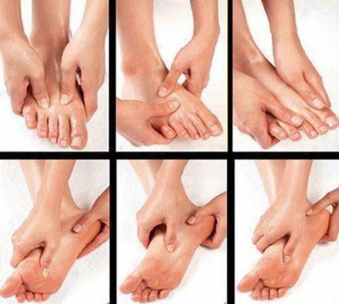 Massage chân kích thích các huyệt đạo