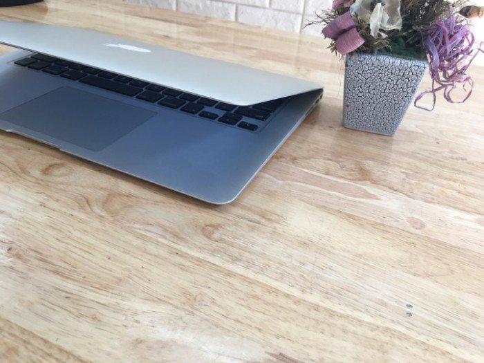 Macbook air 13inch MMGF2 bảo hành đến 20193