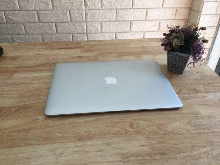 Macbook air 13inch MMGF2 bảo hành đến 20190