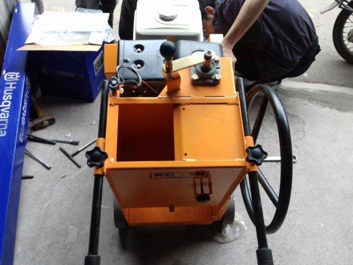 Bán máy cắt bê tông, máy cắt mặt đường KC12, KC16, KC20 chính hãng1