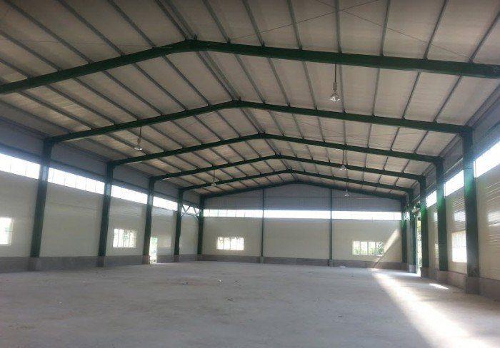Cho thuê xưởng 220m2 tại 31ha - Trâu Quỳ, điện 3 pha, phòng ốc đầy đủ, đường rộng container vào