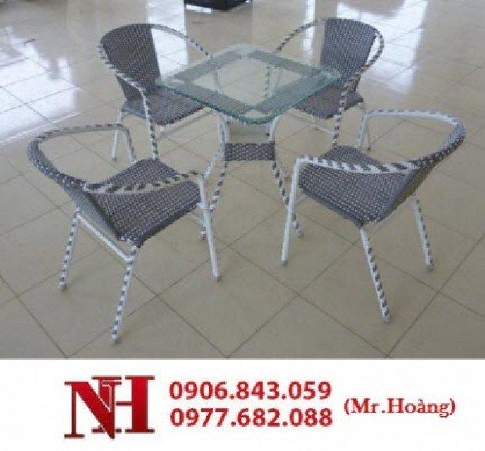 Nhiều bộ bàn ghế nhựa giả mây cho kinh doanh cafe sân vườn giá rẻ1