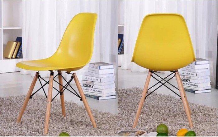 Bán mấy cái ghế nhựa đúc nhập khẩu Eames. Liên hệ: 0906843059 Lê Hoàng (24/24)0