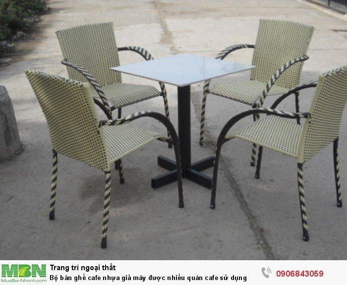 Bộ bàn ghế cafe nhựa giả mây được nhiều quán cafe sử dụng. Miễn phí vận chuyển số lượng. Liên hệ: 0906843059 Lê Hoàng (24/24)2