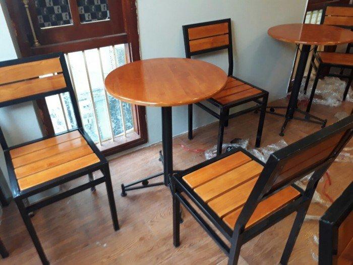 Bộ bàn ghế gỗ cao cấp, sang trọng, bàn tròn, chân sắt. Liên hệ: 0906843059 Lê Hoàng (24/24)0