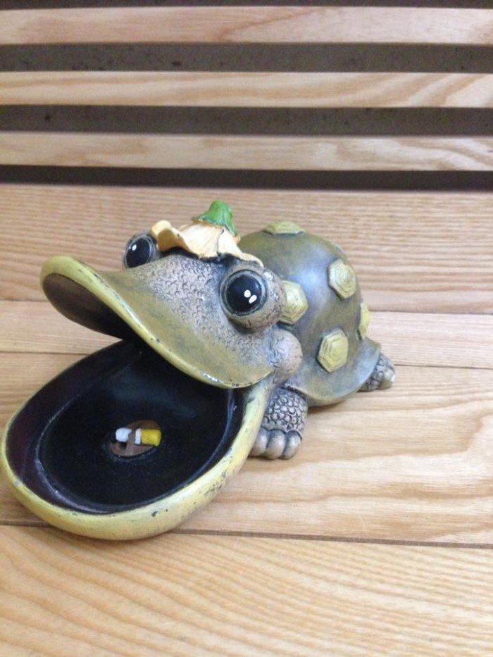 Gạt tàn hình rùa tinh nghịch, ngộ nghĩnh dùng trang trí cũng rất hay