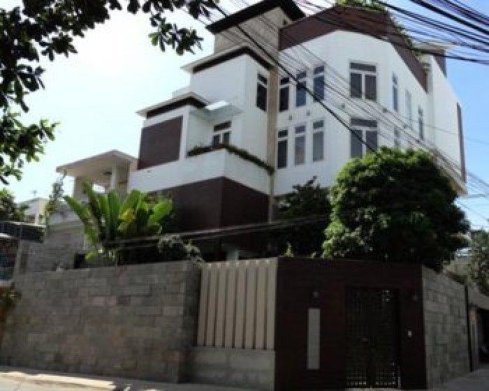 Bán nhà 2MT hẻm 10m Đường 3/2, Q10. Dt: 6x12m, trệt, lửng, 3 lầu