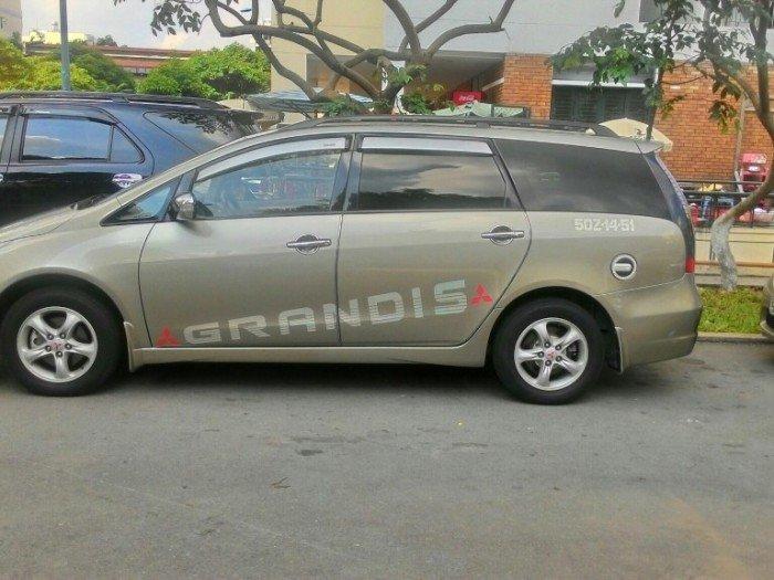 Cho thuê tự lái chiếc Mitsubishi Grandis – lựa chọn tuyệt vời cho chuyến đi cùng gia đình