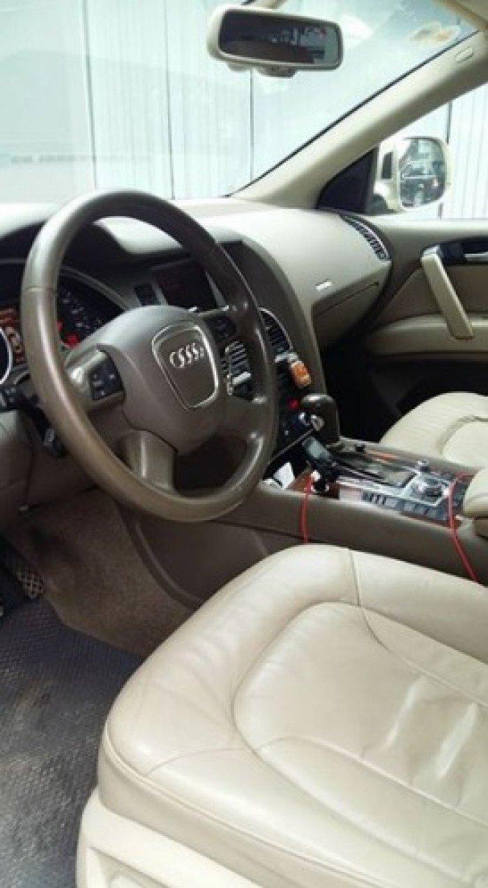 Cần bán xe Audi Q7 2009 màu vàng cát số tự động 4.2L odo chuẩn 8 vạn km,
