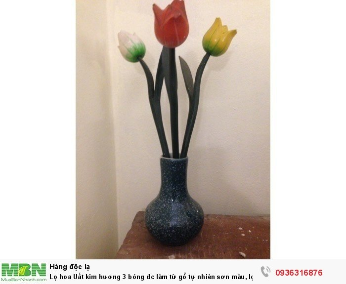 Lọ hoa Uất kim hương 3 bông đc làm từ gỗ tự nhiên sơn màu, lọ sứ Bát Tràng