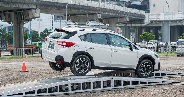Hãy là người sở hữu đầu tiên dòng xe XV 2018 với thiết kế eyesight và khung gầm mới 2